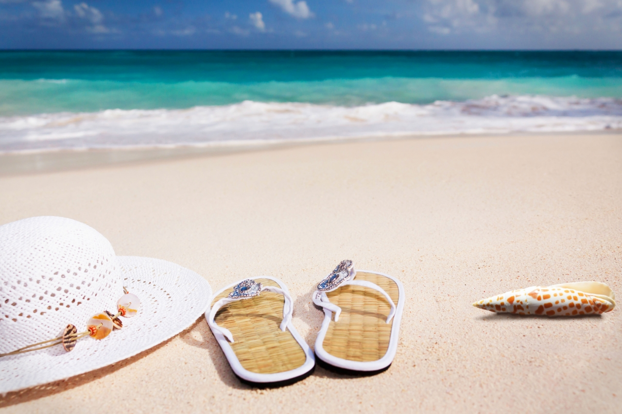 Hat, sandals and shell, Caribbean summer and vacations