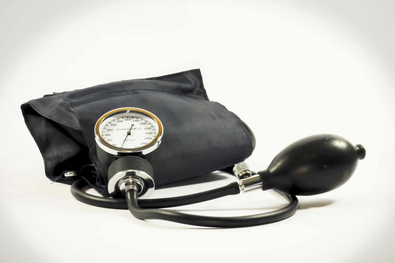 Blood pressure test with pressure gauge