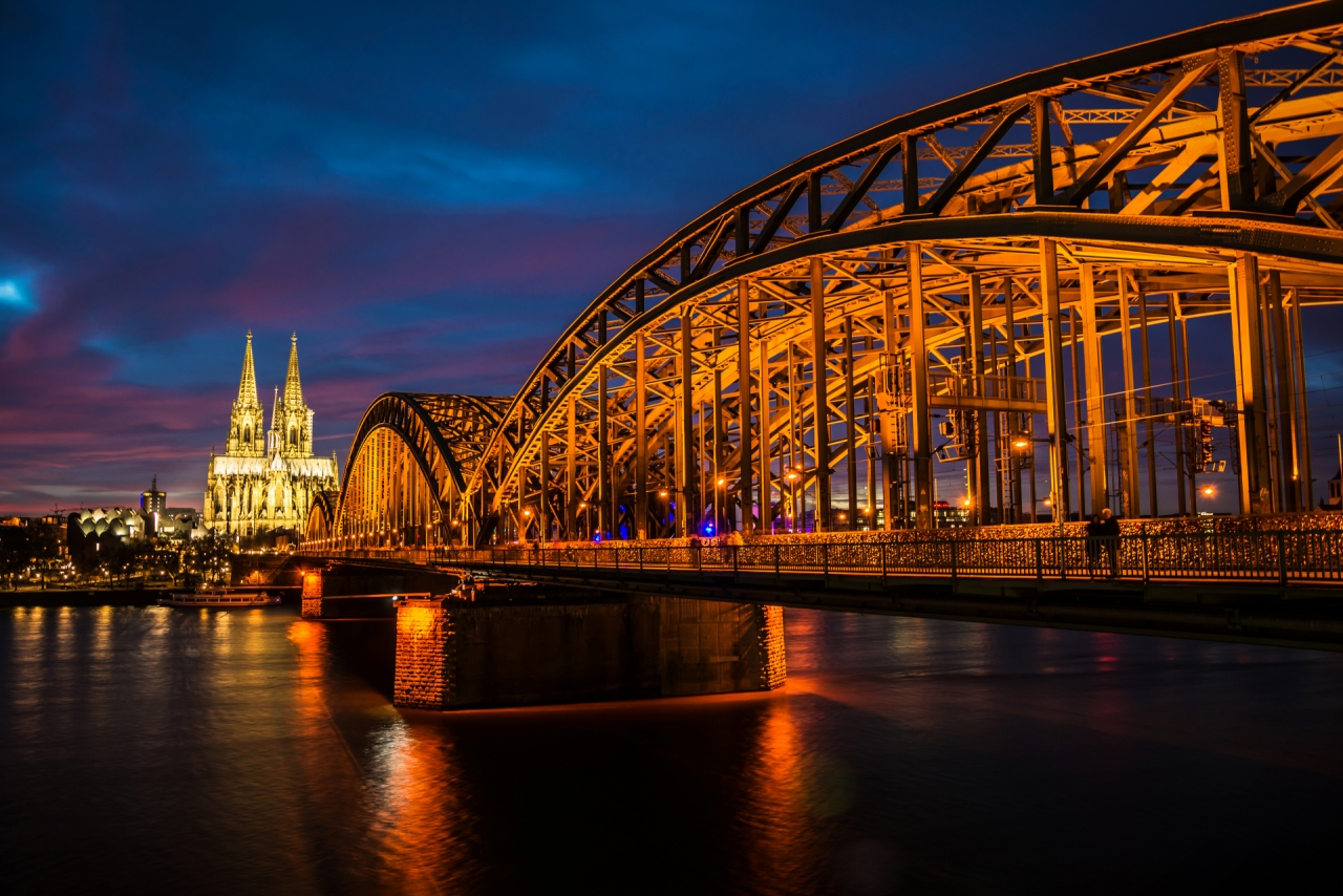 Bridge over the Rhine river in Cologne, during the night